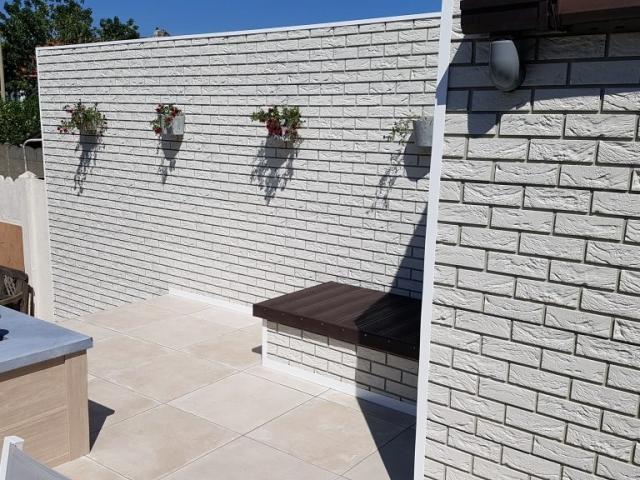 Algemeen beeld van de renovatie met Coverstone gevelpanelen